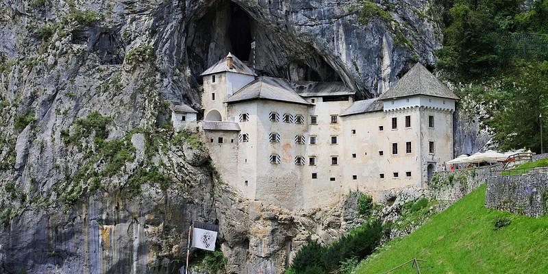Zamek pred Jama