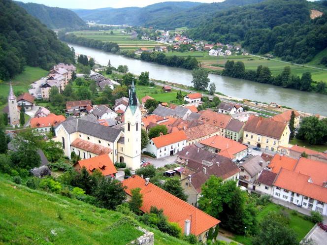 Sevnica, Słowenia - Panorama miasta